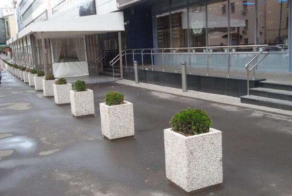 Вазон «Верона» бетонный уличный с фактурой натуральной каменной крошки